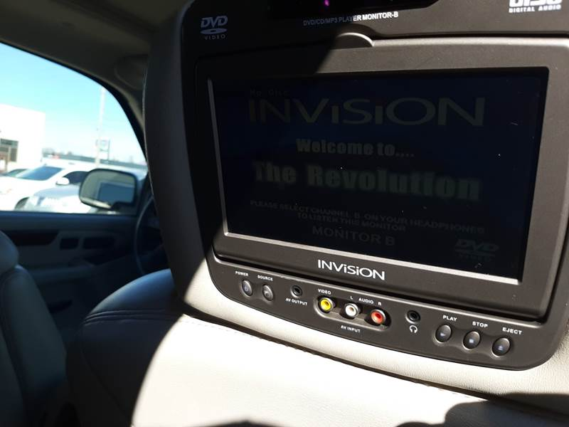 2005 Cadillac Escalade (image 15)