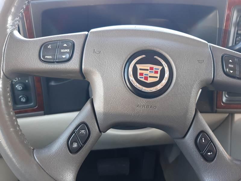 2005 Cadillac Escalade (image 20)