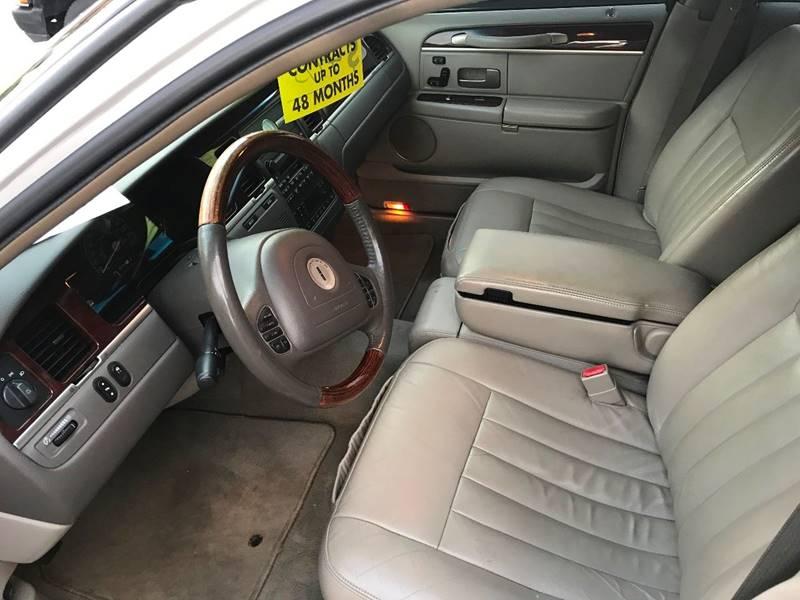 2003 Lincoln Town Car Signature 4dr Sedan - Bangor PA