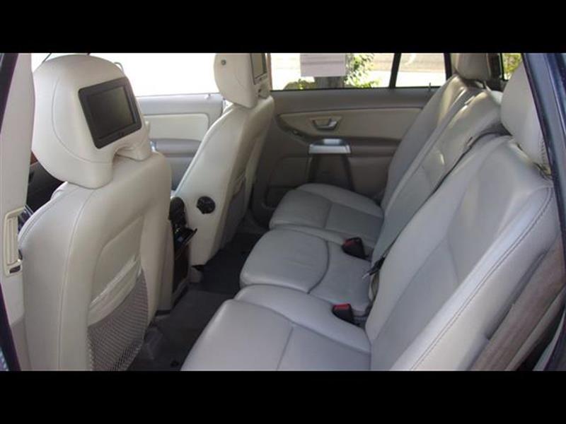 2005 Volvo XC90 AWD V8 4dr SUV - Fresno CA