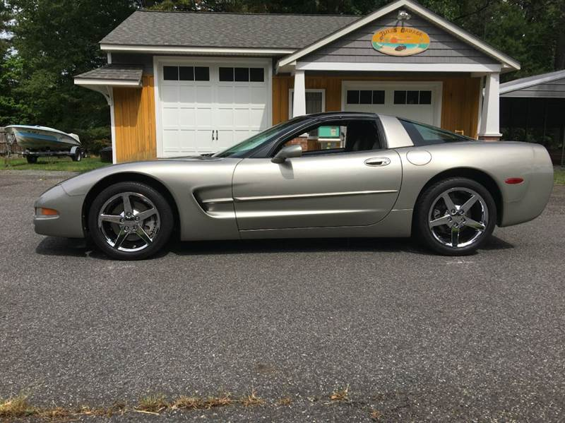 2001 Chevrolet Corvette LOW MILEAGE NEW CHROME WHEELS - Colonial Beach VA
