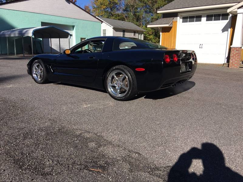 2004 Chevrolet Corvette 2dr Coupe - Colonial Beach VA