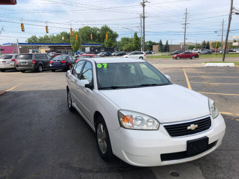 2007 Chevrolet Malibu for sale at Drive Max Auto Sales in Warren MI