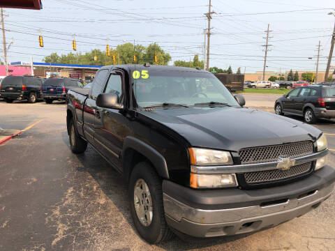 2005 Chevrolet Silverado 1500 for sale at Drive Max Auto Sales in Warren MI