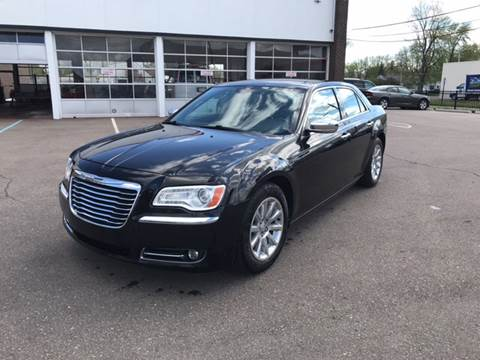 2011 Chrysler 300 for sale at Summit Palace Auto in Waterford MI