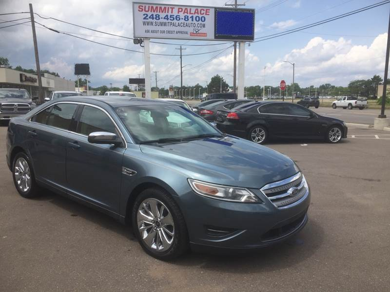 2010 Ford Taurus car for sale in Detroit