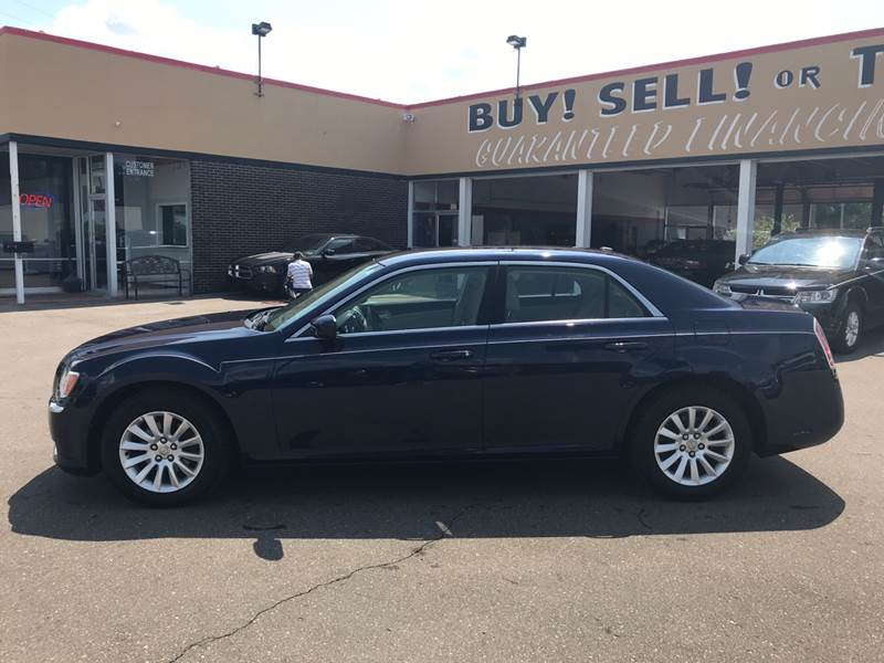 2013 Chrysler 300 Detroit Used Car for Sale