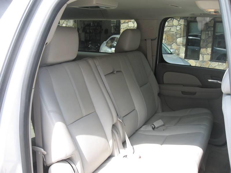 2013 Chevrolet Suburban 4x2 LT 1500 4dr SUV - Ellijay GA
