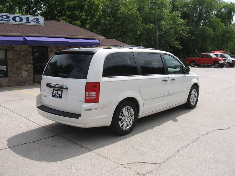 2008 Chrysler Town and Country Limited 4dr Mini-Van - Ellijay GA
