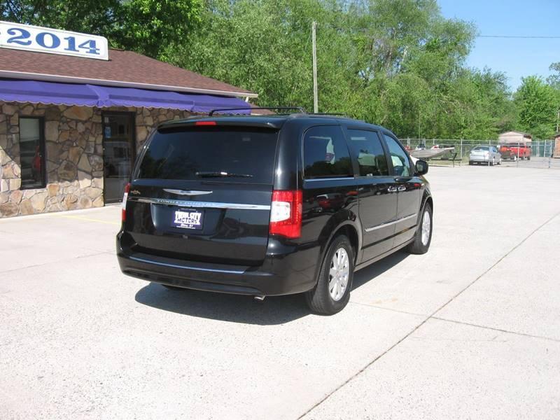 2015 Chrysler Town and Country Touring 4dr Mini-Van - Ellijay GA