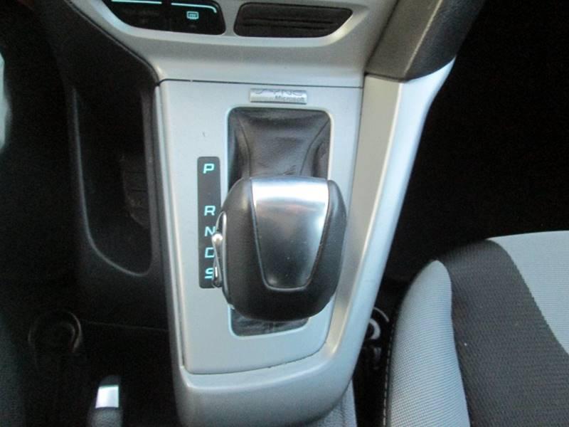 2012 Ford Focus SE 4dr Sedan - Uhrichsville OH