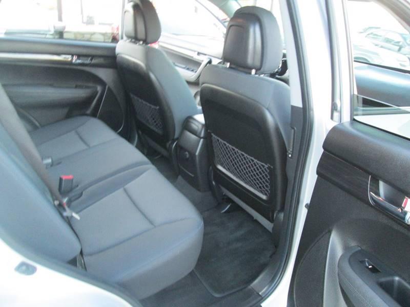 2012 Kia Sorento LX 4dr SUV - Uhrichsville OH
