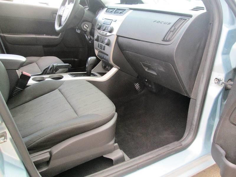 2009 Ford Focus SE 4dr Sedan - Uhrichsville OH