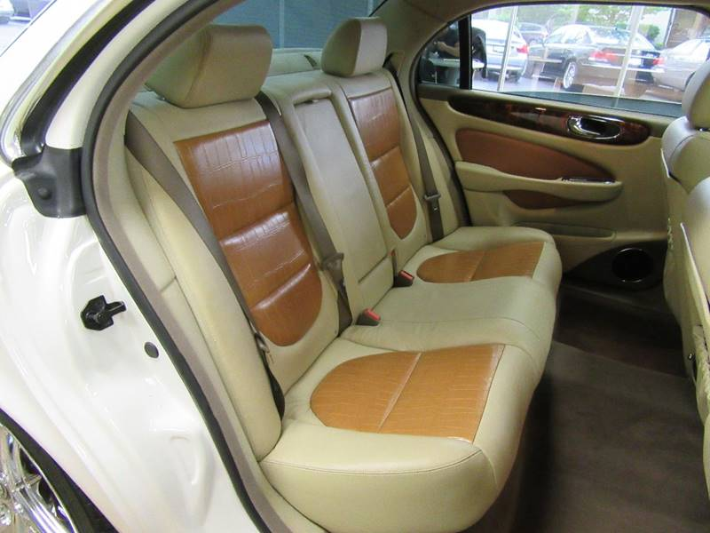 2005 Jaguar XJ-Series for sale at Redefined Auto Sales in Skokie IL