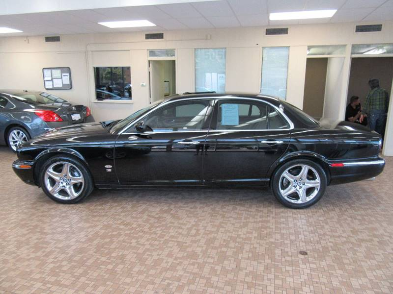 2007 Jaguar XJ-Series for sale at Redefined Auto Sales in Skokie IL