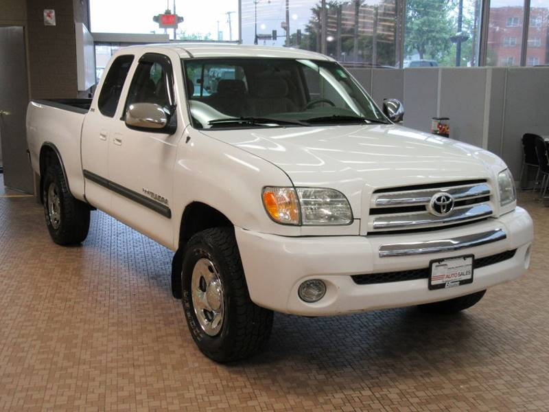 2003 Toyota Tundra for sale at Redefined Auto Sales in Skokie IL