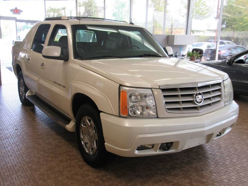 2003 Cadillac Escalade EXT for sale at Redefined Auto Sales in Skokie IL