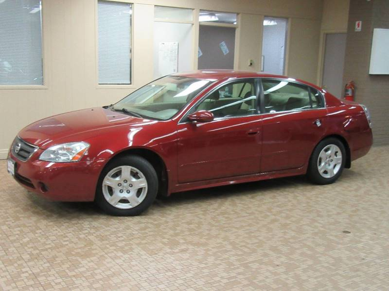 2003 Nissan Altima for sale at Redefined Auto Sales in Skokie IL