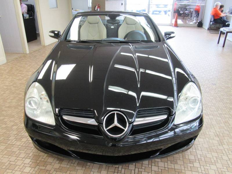 2006 Mercedes-Benz SLK for sale at Redefined Auto Sales in Skokie IL