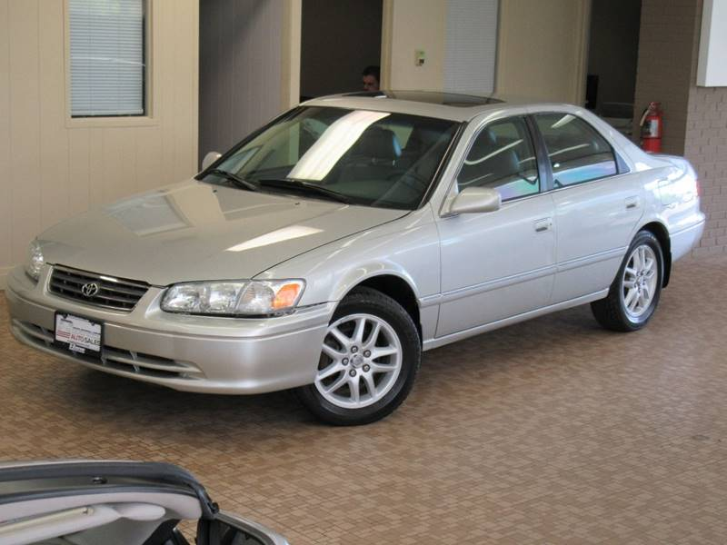 2000 Toyota Camry for sale at Redefined Auto Sales in Skokie IL