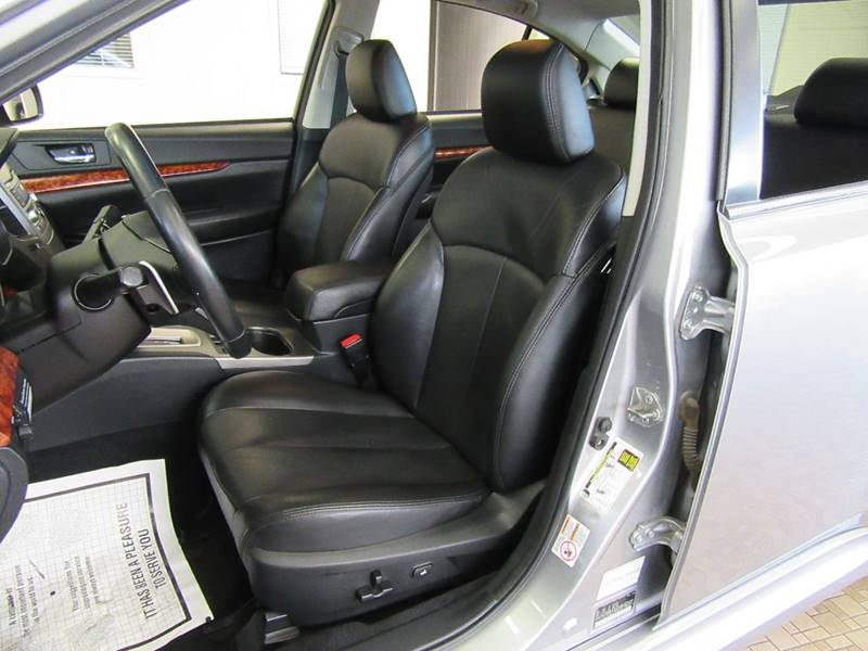2010 Subaru Legacy for sale at Redefined Auto Sales in Skokie IL