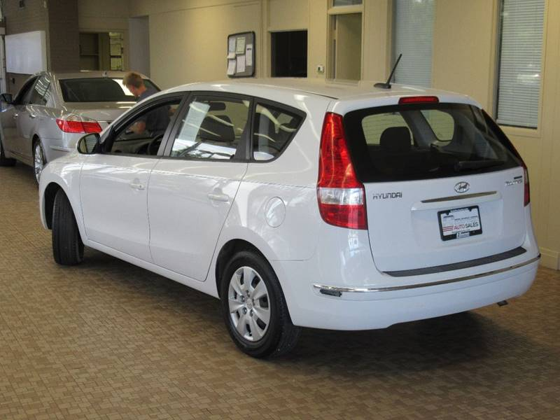 2011 Hyundai Elantra Touring for sale at Redefined Auto Sales in Skokie IL