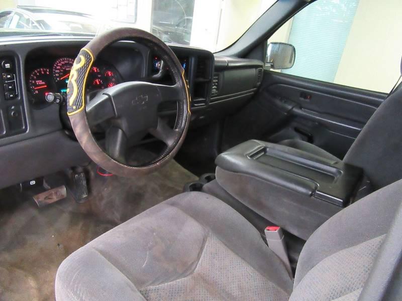 2005 Chevrolet Silverado 1500 for sale at Redefined Auto Sales in Skokie IL
