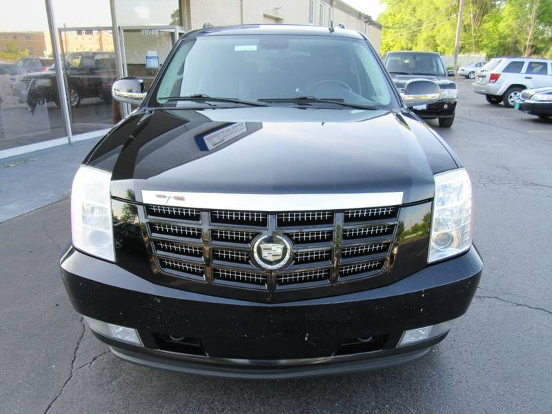 2008 Cadillac Escalade ESV for sale at Redefined Auto Sales in Skokie IL