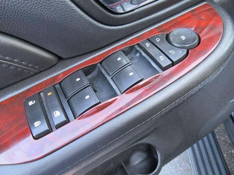 2008 Cadillac Escalade ESV for sale at Redefined Auto Sales in Skokie IL