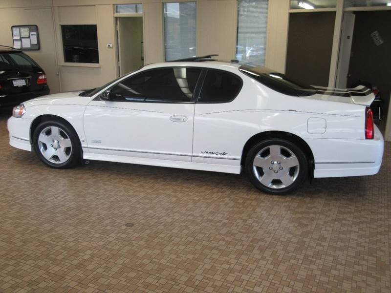 2006 Chevrolet Monte Carlo for sale at Redefined Auto Sales in Skokie IL