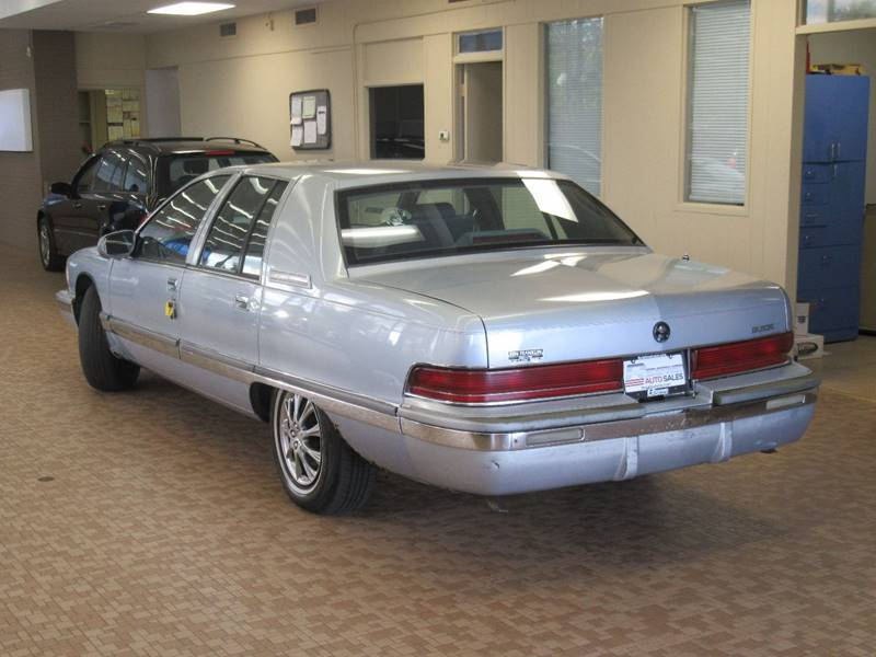 1995 Buick Roadmaster for sale at Redefined Auto Sales in Skokie IL