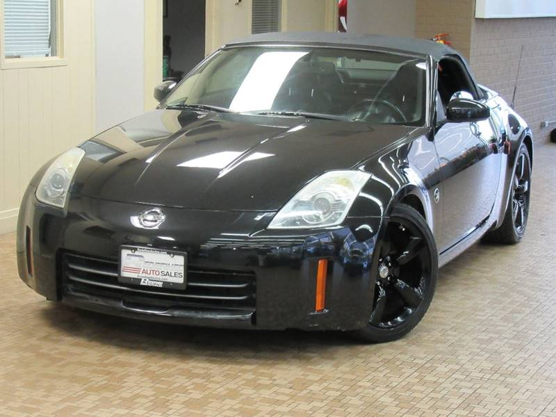 2005 Nissan 350Z for sale at Redefined Auto Sales in Skokie IL