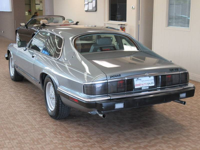 1992 Jaguar XJ-Series for sale at Redefined Auto Sales in Skokie IL