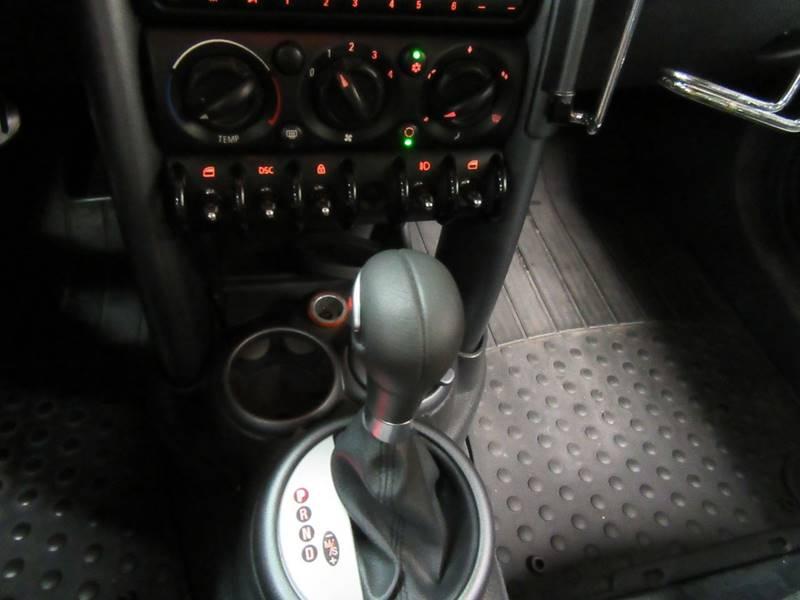 2005 MINI Cooper for sale at Redefined Auto Sales in Skokie IL
