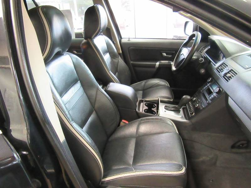 2007 Volvo XC90 for sale at Redefined Auto Sales in Skokie IL