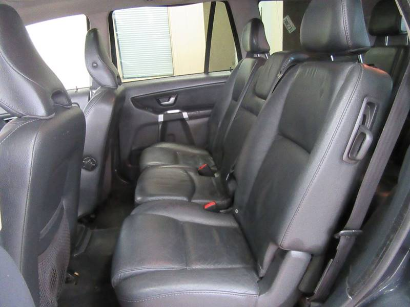 2010 Volvo XC90 for sale at Redefined Auto Sales in Skokie IL
