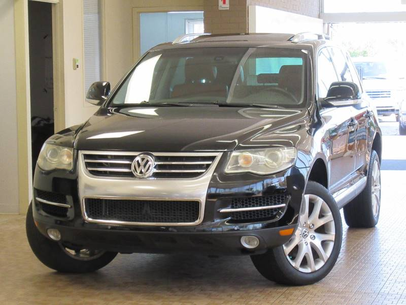 2008 volkswagen touareg 2 v8 fsi in skokie il redefined. Black Bedroom Furniture Sets. Home Design Ideas