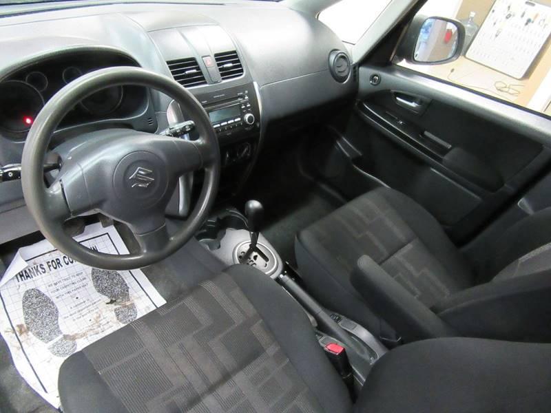 2010 Suzuki SX4 Base AWD 4dr Crossover CVT: 2010 Suzuki SX4 Crossover Base AWD 4dr Crossover CVT 59599 Miles Silver Wagon 2.