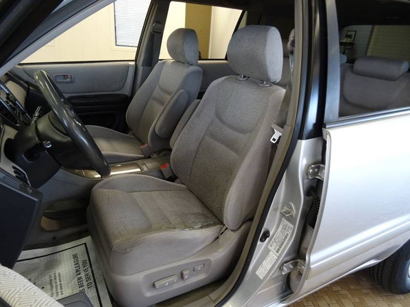 2003 Toyota Highlander for sale at Redefined Auto Sales in Skokie IL
