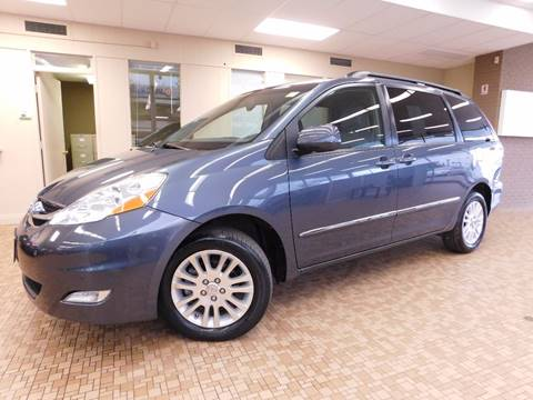 2010 Toyota Sienna for sale at Redefined Auto Sales in Skokie IL