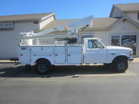 1997 Ford F-450 Super Duty ALTEC BUCKET  for sale at Portage Car & Truck Sales Inc. in Akron OH