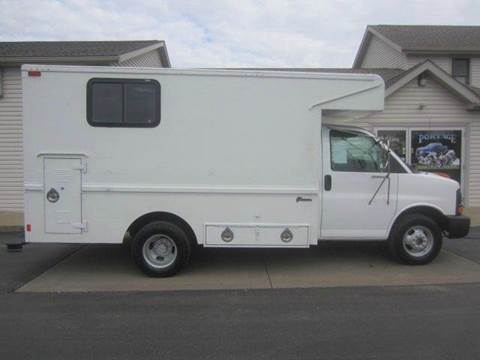 2005 GMC G3500 CUTAWAY DUALLY UTILITY T for sale at Portage Car & Truck Sales Inc. in Akron OH