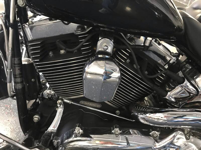 2015 Harley-Davidson SOFTAIL DELUXE THOUSANDS INVESTED IN UPGRADES - Batavia IL