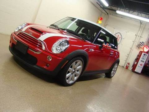 2006 MINI Cooper for sale at Luxury Auto Finder in Batavia IL