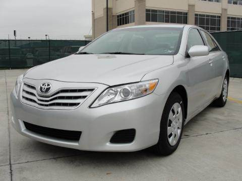 2011 Toyota Camry for sale at Luxury Auto Finder in Batavia IL