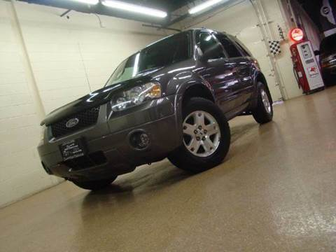 2006 Ford Escape for sale at Luxury Auto Finder in Batavia IL