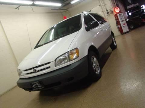 2000 Toyota Sienna for sale at Luxury Auto Finder in Batavia IL
