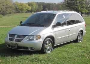 2004 Dodge Caravan for sale at Luxury Auto Finder in Batavia IL