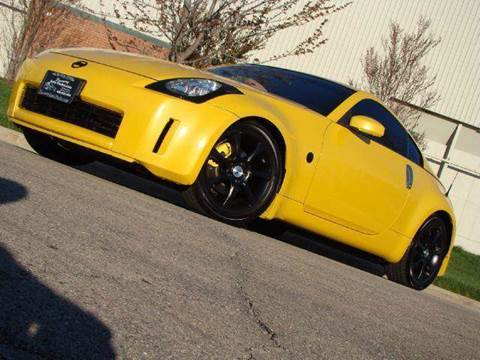 2005 Nissan 350Z for sale at Luxury Auto Finder in Batavia IL