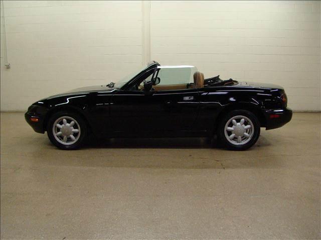 1993 Mazda MX-5 Miata for sale at Luxury Auto Finder in Batavia IL